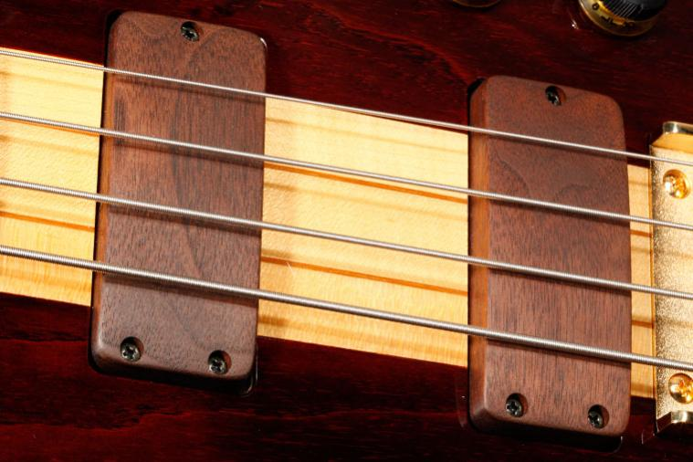 Thunder Row - Ibanez Musician Bass - Commemorative Re-Issue